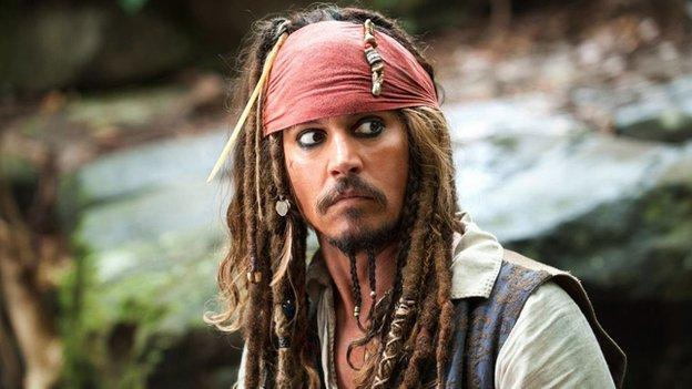 Filming on the fifth Pirates of the Caribbean film is delayed until 15 April as star Johnny Depp continues to recover from a hand injury.