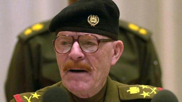 Fugitive Iraqi militant leader Izzat Ibrahim al-Douri, a former right-hand man to Saddam Hussein, has been killed, Iraqi officials say.