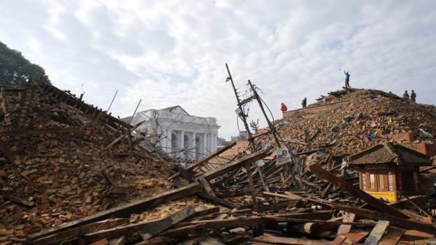 At least 3,617 people are now known to have died in a massive earthquake which hit Nepal on Saturday, police say.
