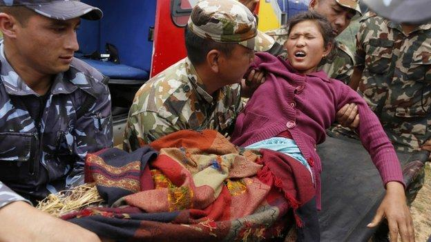 Nepal declares three days of mourning for the victims of Saturday's earthquake in which more than 5,000 people are now known to have died.