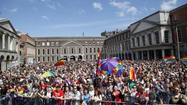 Figures suggest the Republic of Ireland has voted to legalise same-sex marriage in a historic referendum.