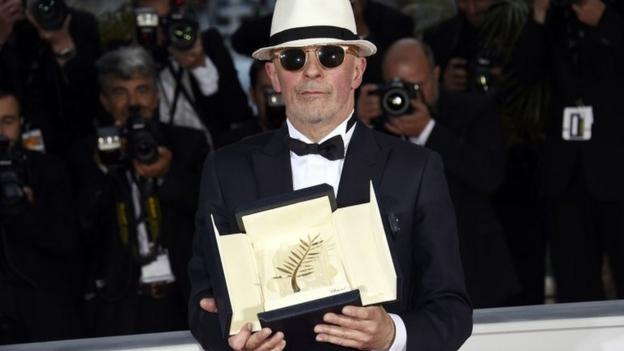French director Jacques Audiard's film, Dheepan, wins the top prize at Cannes, the Palme d'Or.