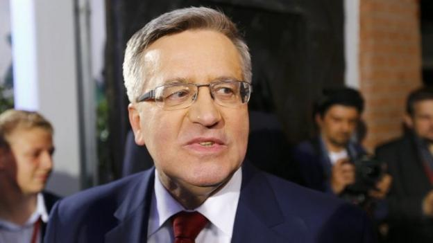 Polish President Bronislaw Komorowski concedes election defeat to challenger Andrzej Duda after exit polls suggest he has lost the run-off vote.