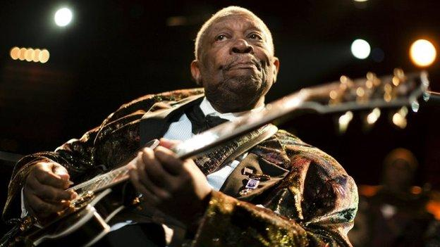 Blues legend BB King's death is investigated after his daughters claim he was deliberately given medication to induce diabetic shock.