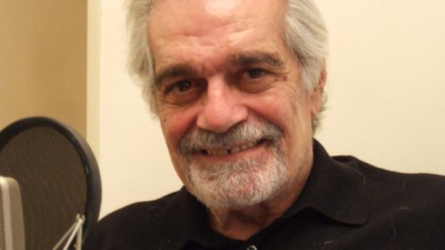 Actor Omar Sharif, who starred Lawrence of Arabia and Doctor Zhivago in the 1960s, is diagnosed with Alzheimer's disease.