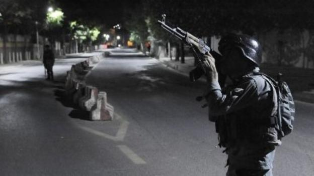 Four militants who attacked a guesthouse in Kabul's diplomatic quarter die after a gun battle lasting at least six hours, police say.