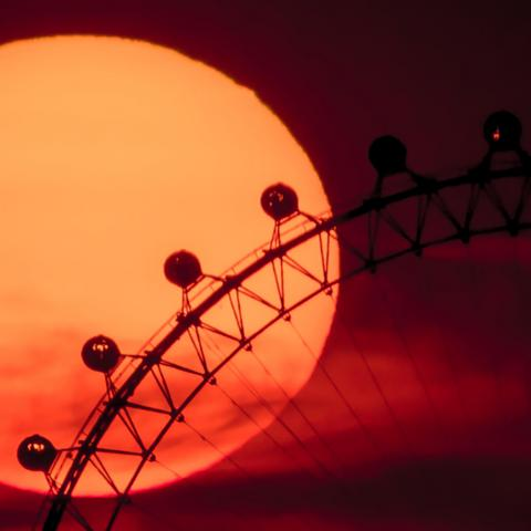 Sun and the London Eye (Credit: Alamy)