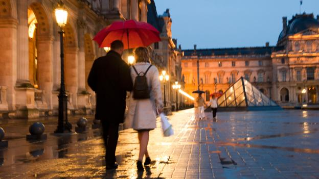 Bbc Travel Mini Guide To Romance In Paris