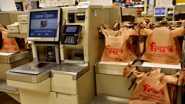77e578fcaa93 BBC - Future - The unpopular rise of self-checkouts (and how to fix ...