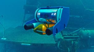 Robot subs beam the oceans to your homes