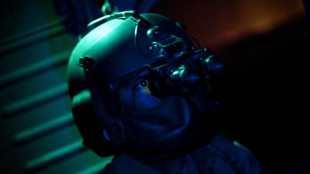 Soldier wearing night vision goggles (Copyright: Getty Images)