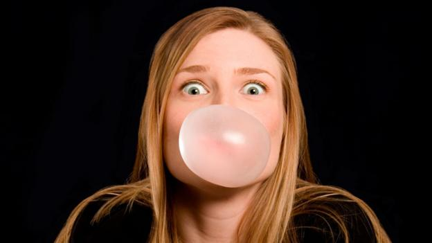 Does chewing gum take seven years to digest?