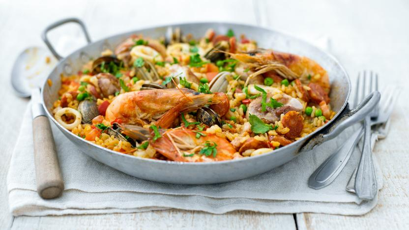 Paella recipes bbc food paella forumfinder Choice Image