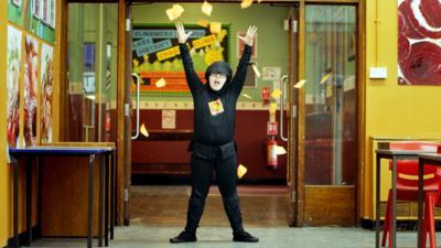 4 O'Clock Club - 4 O'Clock Club Rap Exclusive: 'Sticky Note Ninja'