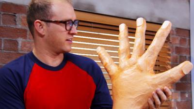 Art Ninja - Make a giant papier mache hand