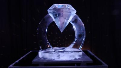 A diamond ring ice sculpture.