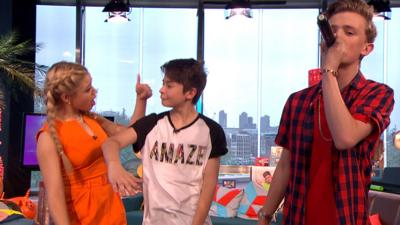 Friday Download - Bars and Melody perform Airplanes