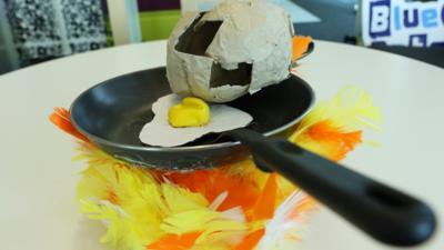A fried egg bonnet.