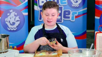 Blue Peter - No-Bake Unicorn Fudge