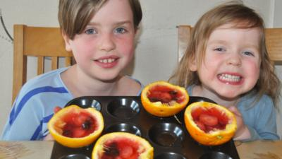 Arwen and Caitlin with their jelly fruit slices