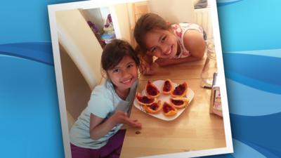 Isabella and Katarina with their jelly fruit slices