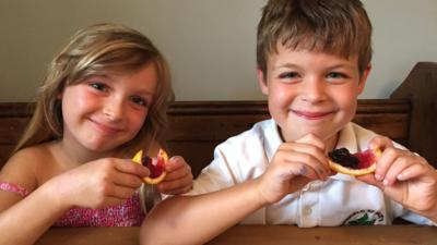 Sam and Molly with their jelly fruit slices