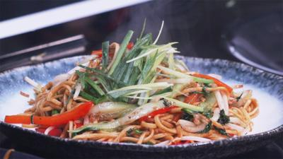 Blue Peter - Jeremy Pang's vegetable chow mein