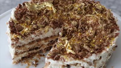 Matilda and the Ramsay Bunch - Glittery Fridge Cake