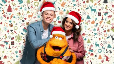 Saturday Mash-Up! - Send us your Christmas stuff for Mash-Up!