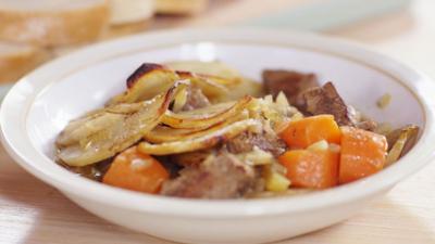 CBBC Dish Up - Denise Van Outen makes Irish Stew