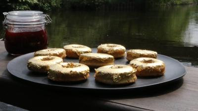 Matilda and the Ramsay Bunch - Glorious Gold Medal Doughnuts
