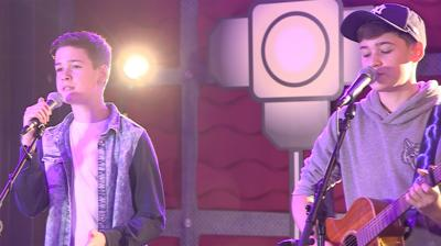 The Next Step - Max & Harvey sing 'Addicted To You'