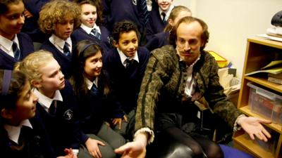 Horrible Histories - Shakespeare fails to impress at school