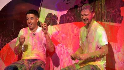 Saturday Mash-Up! - Dance duo Twist and Pulse are Super Slimed!