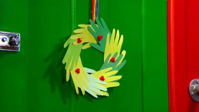 CBeebies House - Make a Christmas Wreath