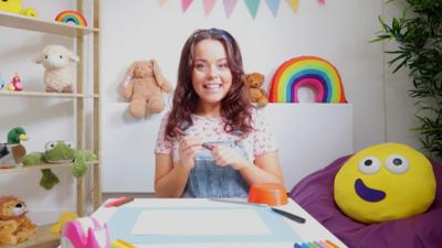 CBeebies House - Draw along with Evie
