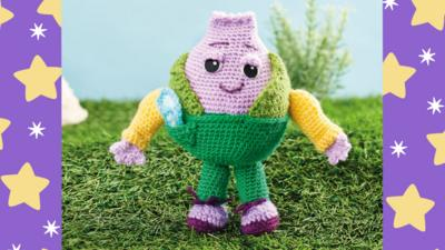 Moon and Me - Crochet Pattern for Mr Onion