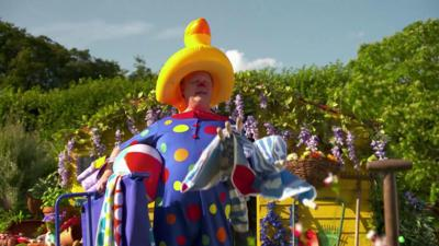 Something Special - Mr Tumble's Playing Outside