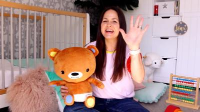 The Baby Club - The Baby Club at Home: Finger Family Song