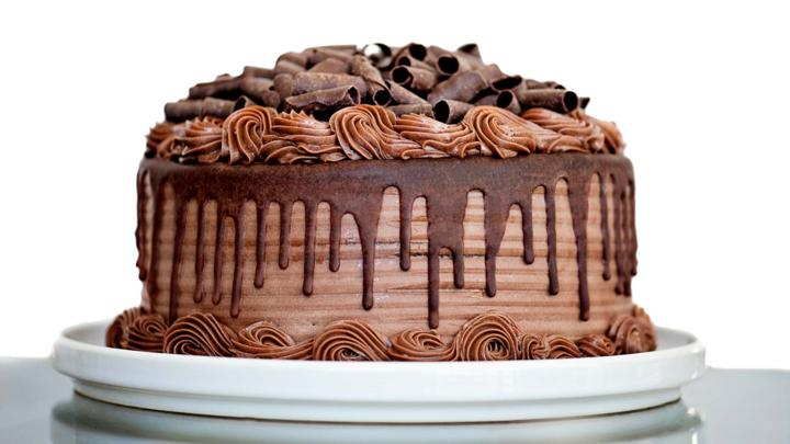 Refrigerator Chocolate Fudge Frosting Cake: What Kind Of Chocolate Cake Are You?