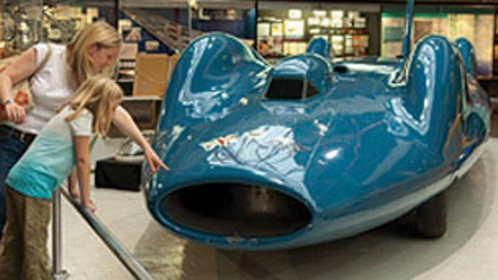 Land Speed Record >> Beaulieu National Motor Museum - CBBC - BBC