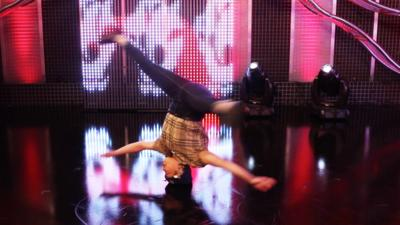 Blue Peter - How many headspins can Roxy do?