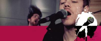 Man singing (Imagine Dragons).