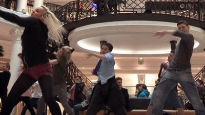 School For Stars - School for Stars - Flash Mob