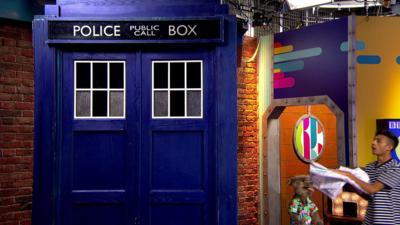 CBBC HQ - Hacker and the TARDIS build a robot