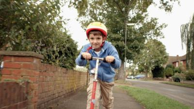 Topsy and Tim  - Get to Know Tim