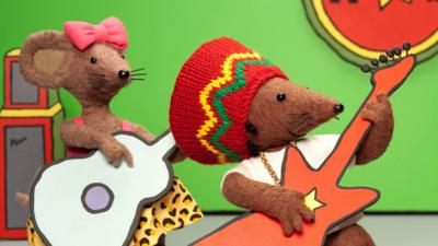 Scratchy and Rastamouse playing a song.