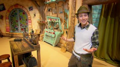 Dancing Beebies - Tour Mr Shoemaker's Workshop