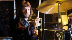 Lee Kerslake performing