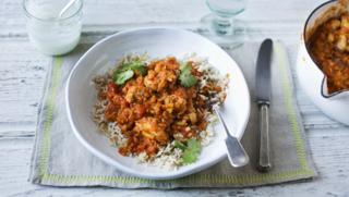 Chicken curry recipes bbc food chicken dhansak forumfinder Images
